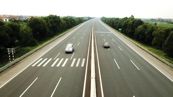 Bộ Giao thông vận tải cho biết, nước ta hiện có 1.163 km đường cao tốc, đang đầu tư 916 km cao tốc. Ảnh: Lê Tiên