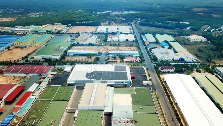 Lũy kế đến cuối tháng 5/2021, các khu công nghiệp, khu kinh tế trên cả nước có 10.853 dự án đầu tư nước ngoài còn hiệu lực với tổng vốn đăng ký khoảng 228,4 tỷ USD. Ảnh: Lê Tiên