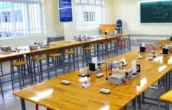 Hồ sơ mời thầu 2 gói thầu thiết bị trường học tại tỉnh Bình Phước yêu cầu nhà thầu phải có kho tập kết vật tư, thiết bị tại thị xã Phước Long với tổng diện tích trên 300 m2. Ảnh minh họa: MT st