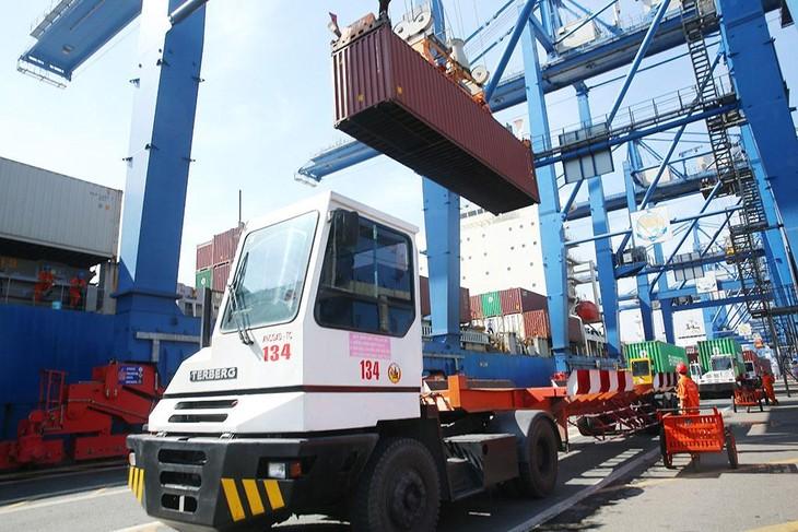 5 tháng đầu năm 2021, tổng kim ngạch xuất nhập khẩu hàng hóa của Việt Nam ước đạt 262,25 tỷ USD, tăng 33,5% so với cùng kỳ năm trước. Ảnh: Lê Tiên