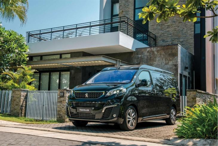Peugeot Traveller đang chinh phục được ngày càng nhiều khách hàng doanh nhân nhờ tích hợp được sự sang trọng, tính hữu dụng trong một chiếc MPV