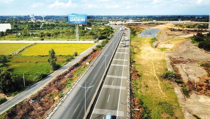 Để hoàn thành mục tiêu 5.000 km đường cao tốc đến năm 2030 cần có thêm những cơ chế đặc biệt. Ảnh: Lê Tiên