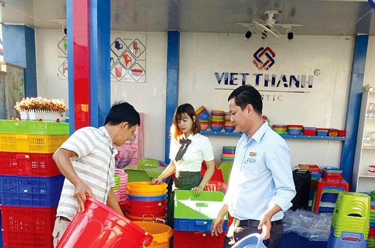 Công ty CP Sản xuất và Thương mại Nhựa Việt Thành đấu giá 5 triệu cổ phần để huy động vốn phát triển sản phẩm mới. Ảnh: Việt Thành