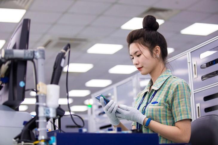 Trị giá xuất khẩu của doanh nghiệp FDI từ đầu năm đến 15/6 đạt 105,82 tỷ USD, tăng 35% so với cùng kỳ năm 2020, chiếm 73,8% tổng trị giá xuất khẩu của cả nước. Ảnh: Việt Hưng