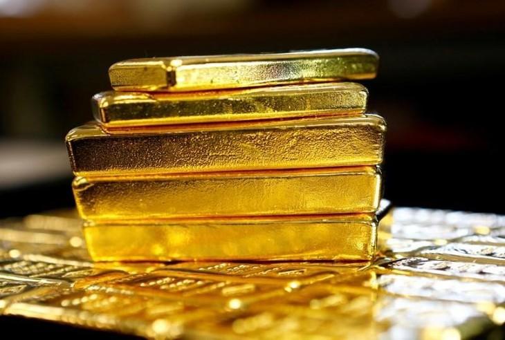 Các doanh nghiệp trong nước điều chỉnh giá vàng sáng 23/6 tăng nhẹ. Ảnh: Reuters