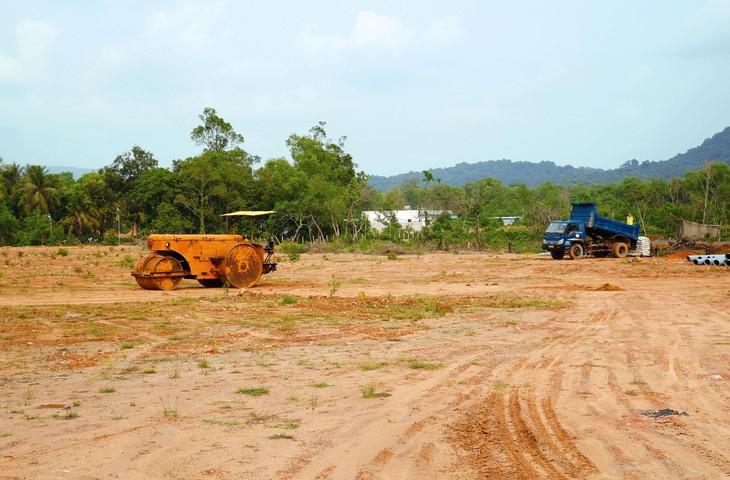 Nhiều nhà đầu tư bị chôn vốn, không được giao đất để thực hiện dự án do chậm trễ trong công tác giải phóng mặt bằng. Ảnh: Tâm An