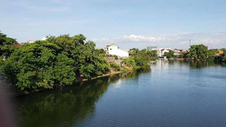 Gói thầu số 23 (HU-CW02) có nội dung nạo vét và kè sông An Hòa; chỉnh trang và xây dựng kè dọc 2 bờ sông An Cựu; kè sông Như Ý (TP. Huế). Ảnh: Tấn Hùng