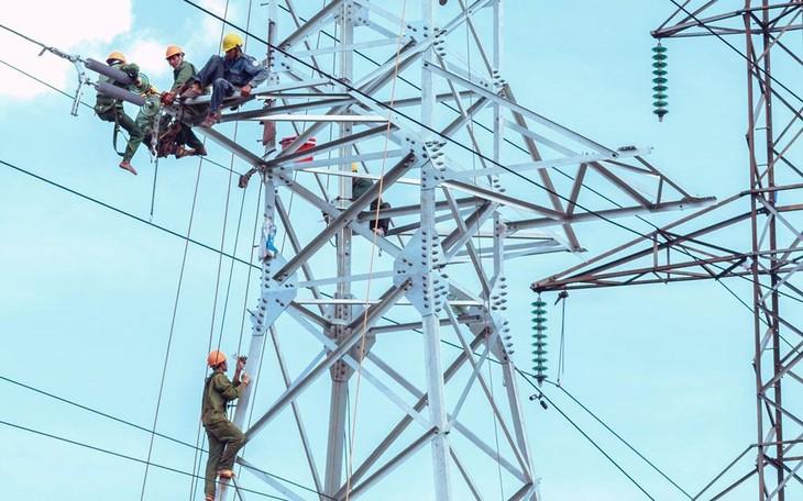 Trong số những gói thầu bị hủy thầu do không có nhà thầu nộp hồ sơ dự thầu, số lượng gói thầu ngành điện chiếm tỷ lệ khá lớn. Ảnh: Thế Anh