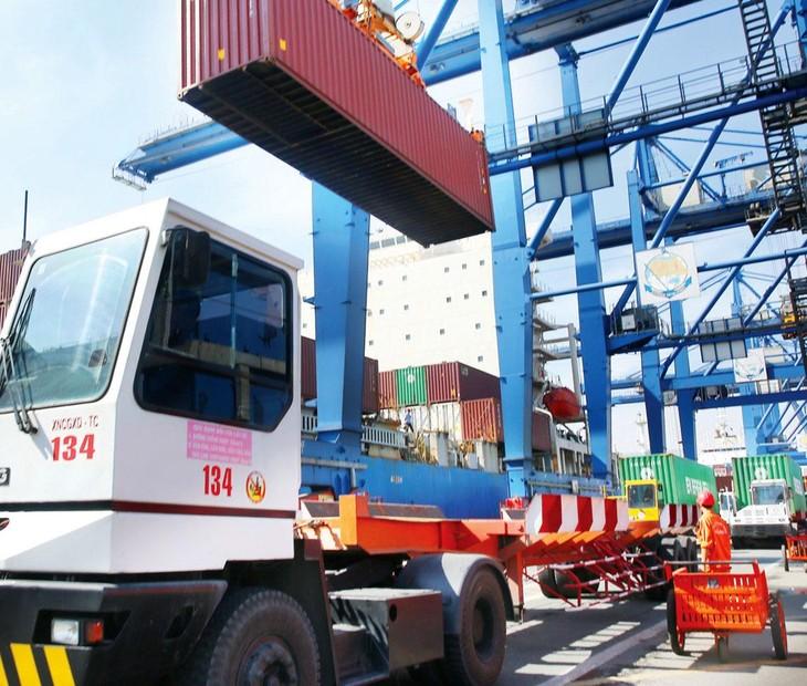 Chi phí cho một container 40 feet hàng nông sản từ Việt Nam xuất khẩu đi Mỹ vào tháng 3/2021 là 7.500 USD và hiện nay là 12.000 USD. Ảnh: Lê Tiên
