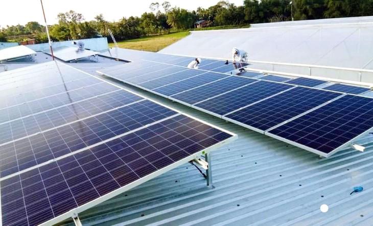 Đấu thầu là cơ chế tối ưu để lựa chọn được nhà đầu tư thực sự có năng lực phát triển các dự án điện mặt trời. Ảnh: Trung Thành