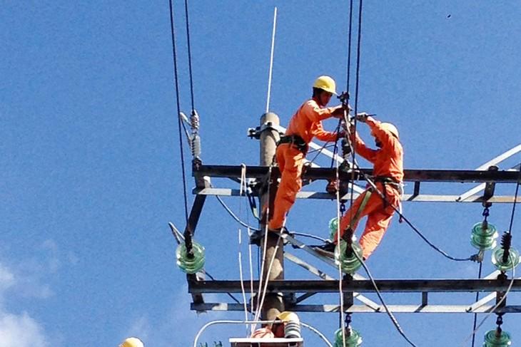 Việc thiếu điện có thể xảy ra nếu các dự án điện đã được phê duyệt tiếp tục không đảm bảo tiến độ. Ảnh: Nguyễn Thế Anh
