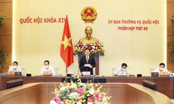 Chủ tịch Quốc hội Vương Đình Huệ phát biểu khai mạc Phiên họp thứ 58 của Ủy ban Thường vụ Quốc hội. Ảnh: Hồ Long