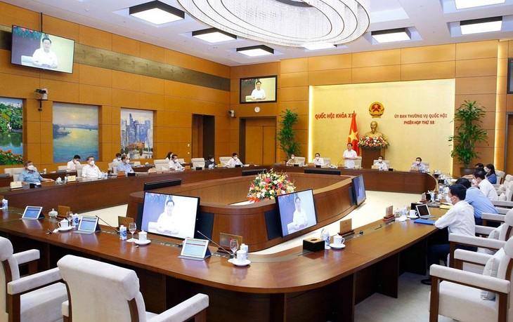 Chủ tịch Quốc hội Vương Đình Huệ phát biểu tại Phiên họp thứ 58 của Ủy ban Thường vụ Quốc hội. Ảnh: Doãn Tấn