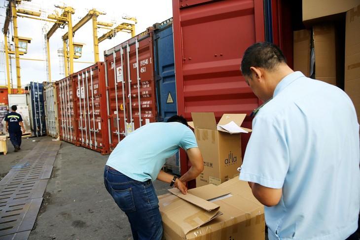 """Xuất nhập khẩu: Vẫn """"nóng"""" về kiểm tra chuyên ngành"""