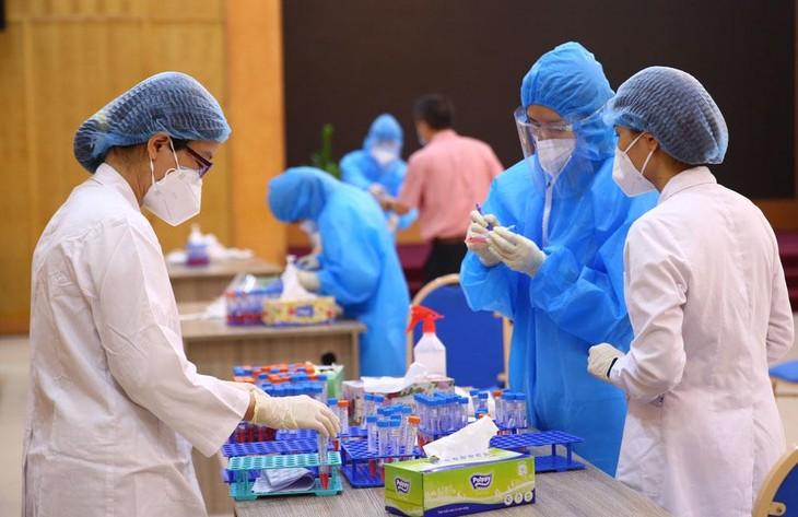 Gói thầu mua thuốc, hóa chất, vật tư, trang thiết bị, phương tiện để phòng, chống dịch Covid-19 được phép chỉ định thầu theo quy định tại Luật Đấu thầu. Ảnh: Lê Tiên