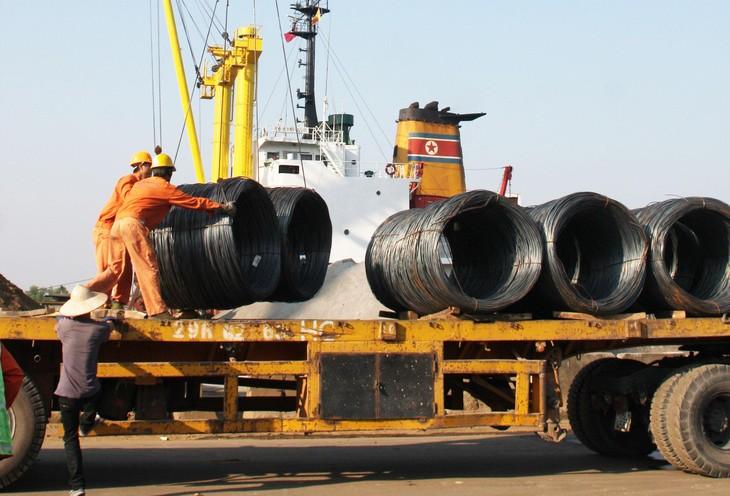Bộ Tài chính đề xuất giảm thuế nhập khẩu đối với một số mặt hàng thép. Ảnh: Hoài Tâm