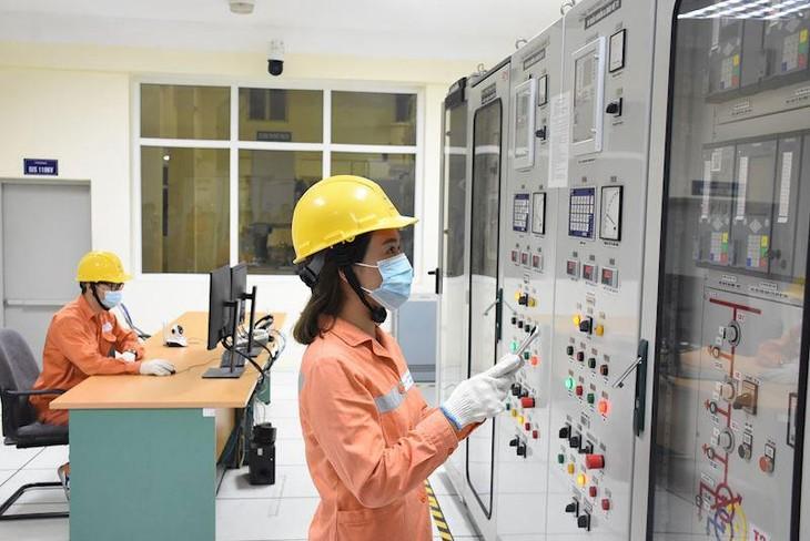 EVN duy trì trực vận hành, sửa chữa, dịch vụ khách hàng trong thời gian thực hiện giãn cách xã hội
