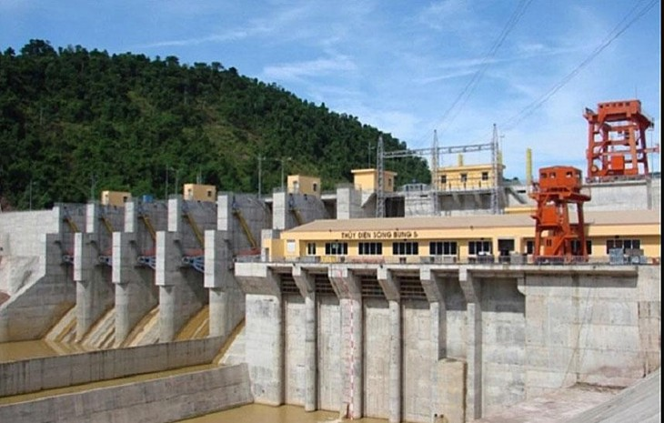 Tài trợ lớn cho Nhà máy Thủy điện Sông Bung 5, dư nợ vay của PECC1 phình to dần dẫn đến mất cơ cấu tài chính an toàn nhiều năm nay. Ảnh: Đức Hoàng