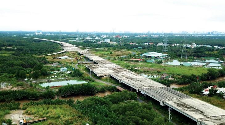 Tổng chiều dài 9 đoạn tuyến cao tốc Bắc - Nam phía Đông dự kiến đầu tư theo phương thức PPP giai đoạn 2021 - 2025 là 552 km với tổng mức đầu tư 114.088 tỷ đồng. Ảnh minh họa: Song Lê