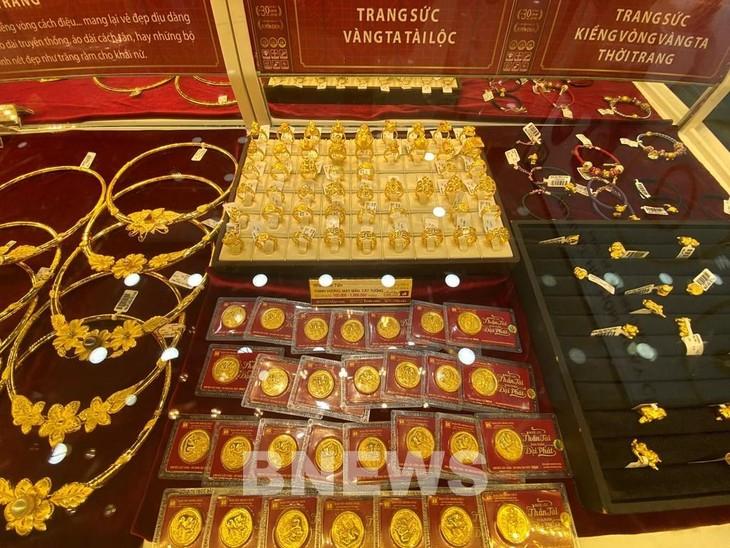 Giá vàng sáng 16/8 giao dịch ở mức 57,5 triệu đồng/lượng. Ảnh: Diệp Anh/BNEWS/TTXVN