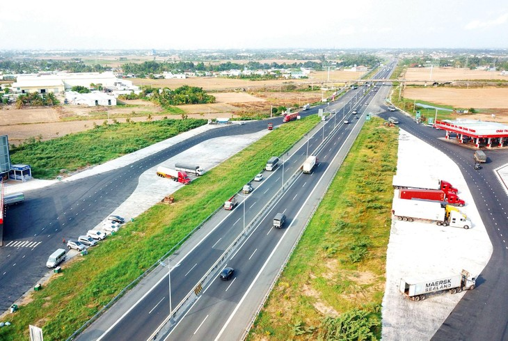 Trong 10 năm tới, Việt Nam dự kiến xây dựng khoảng 3.800 km đường bộ cao tốc mới. Ảnh: Lê Tiên