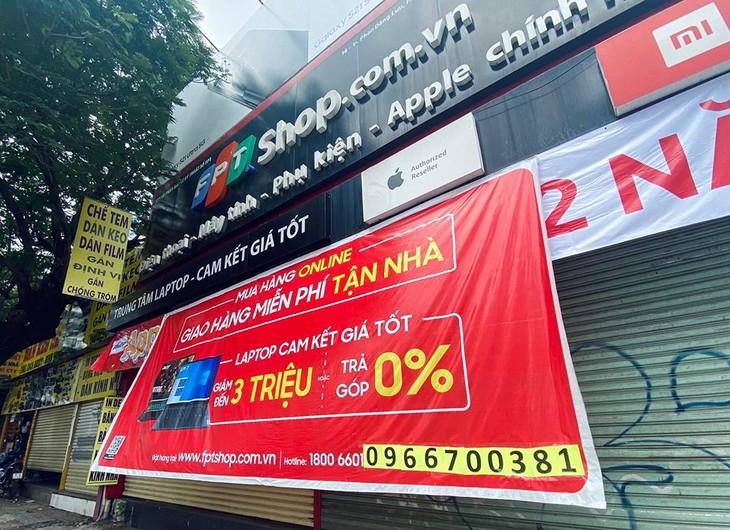 Giãn cách xã hội kéo dài là thách thức đối với doanh số của FPT Retail. Ảnh: Thành Luân
