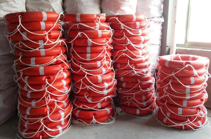 Công ty CP Thanh Sơn trúng 13 gói thầu cung cấp phao tròn cứu sinh nhập kho dự trữ quốc gia từ năm 2016 đến nay với tổng giá trên 150 tỷ đồng. Ảnh: An Phát