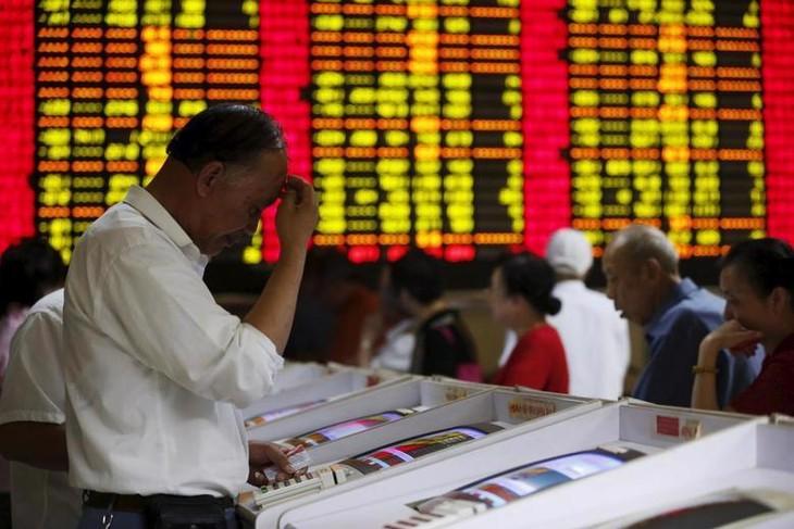 Trung Quốc hiện có hai sàn giao dịch chứng khoán tại đại lục, một ở Thượng Hải và một ở Thẩm Quyến, đều cách xa Bắc Kinh - Ảnh: Reuters.