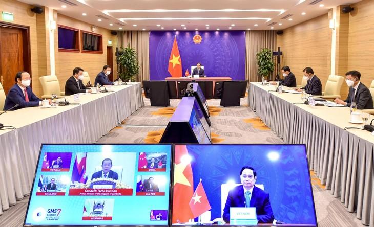 Thủ tướng Chính phủ Phạm Minh Chính tham dự Hội nghị Thượng đỉnh Hợp tác Tiểu vùng Mê Công mở rộng (GMS) lần thứ 7 theo hình thức trực tuyến. Ảnh: Quý Bắc