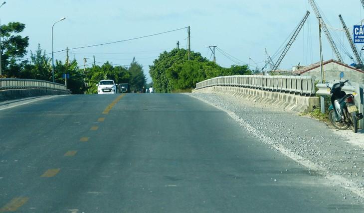 Tỉnh Hòa Bình đề xuất mở rộng đường Hòa Lạc - Hòa Bình theo phương thức PPP với phần vốn góp từ ngân sách nhà nước chiếm hơn 50% tổng mức đầu tư. Ảnh: Lê Tiên