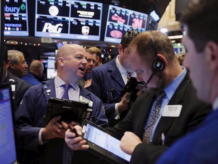 Chứng khoán Mỹ bật tăng sau chuỗi 5 phiên giảm, giá dầu lên đỉnh 1 tuần