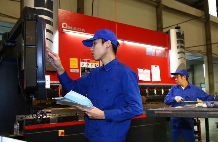 Nhiều thông tin tích cực đang tiếp thêm động lực cho phục hồi sản xuất công nghiệp. Ảnh: Lê Tiên