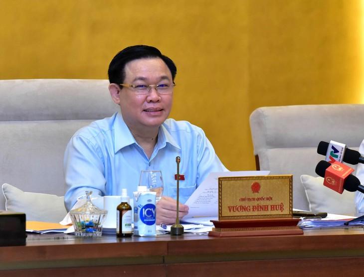 Chủ tịch Quốc hội Vương Đình Huệ phát biểu tại Phiên họp thứ 3 của Ủy ban Thường vụ Quốc hội. Ảnh: Lâm Hiển