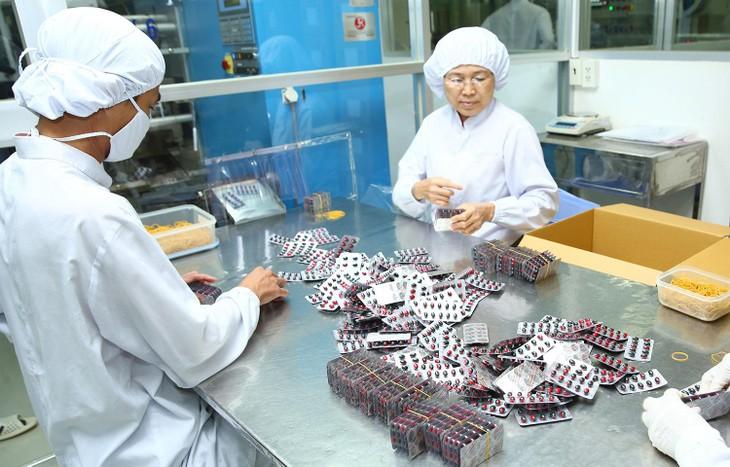 Thí điểm đấu thầu thuốc tập trung tại BHXH Việt Nam: Hiệu quả nhưng còn vướng