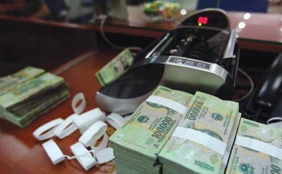Dịch bệnh kéo dài, doanh nghiệp rút ròng 25.900 tỷ đồng tiền gửi ngân hàng