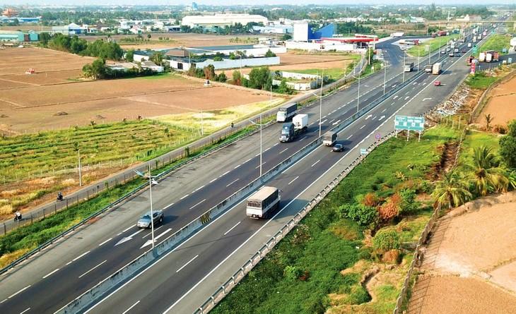 8 dự án thành phần cao tốc Bắc - Nam phía Đông đầu tư hoàn toàn bằng ngân sách nhà nước sẽ hoàn thành từ cuối tháng 12/2021 đến đầu năm 2023. Ảnh: Song Lê