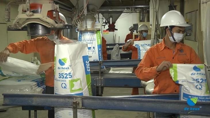 Dây chuyền sản xuất thức ăn chăn nuôi của De Heus