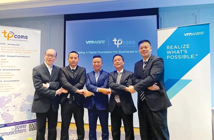 TPCloud được triển khai bởi các chuyên gia của VMware và được vận hành với đội ngũ kỹ sư được VMware chứng nhận