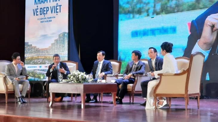 """Các chuyên gia tại Chương trình """"Thời điểm vàng khám phá du lịch Việt Nam"""". Ảnh: Hoàng Việt"""
