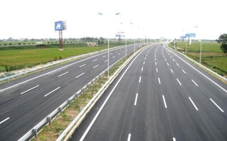 Dự án đường cao tốc Tp.HCM - Trung Lương, dự án xây dựng cầu Vĩnh Tuy đã áp dụng cơ chế chỉ định thầu với tỷ lệ tiết kiệm là 5%.