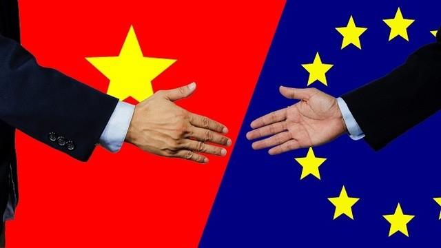Trong 5 năm đầu khi EVFTA có hiệu lực, Việt Nam cam kết sẽ xem xét cho phép các TCTD EU mua 49% cổ phần của 2 NHTMCP Việt Nam. Ảnh: Internet