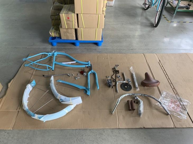 Toàn bộ linh kiện của một chiếc xe đạp nhập khẩu từ Trung Quốc, DN chỉ đưa về Việt Nam để lắp ráp và đội lốt hàng Made in Việt Nam Ảnh: Tổng cục Hải quan