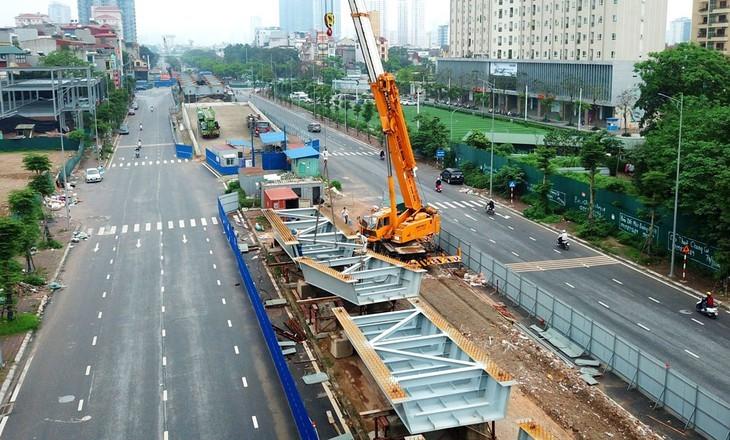Hoạt động xây dựng dự kiến sẽ hồi phục trong Quý 4 nhờ đầu tư công vào cơ sở hạ tầng được thúc đẩy. Ảnh: Lê Tiên