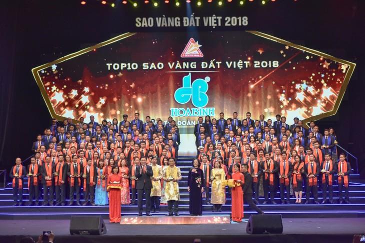 Tập đoàn Xây dựng Hòa Bình lọt Top 10 Sao Vàng Đất Việt 2018