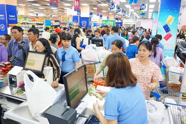 Siêu thị Co.opmart Phan Văn Hớn là siêu thị thứ 3 của Saigon Co.op tại Quận 12, bên cạnh Co.opmart Hiệp Thành và Co.opmart Nguyễn Ảnh Thủ