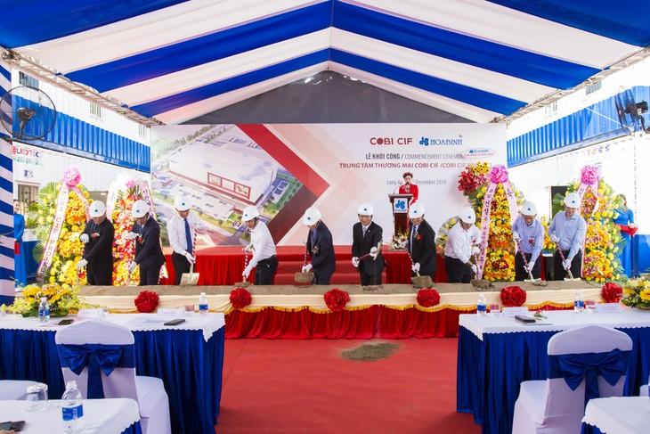 Tập đoàn Xây dựng Hòa Bình là tổng thầu thi công kết cấu, hoàn thiện, cơ điện, hạ tầng và cảnh quan Dự án Trung tâm thương mại COBI CIF