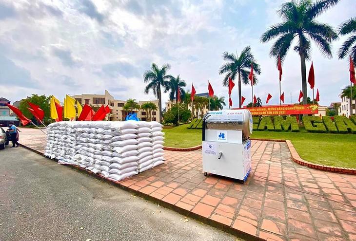 Hòa Bình ủng hộ 30 tấn gạo, trị giá hơn 400 triệu đồng