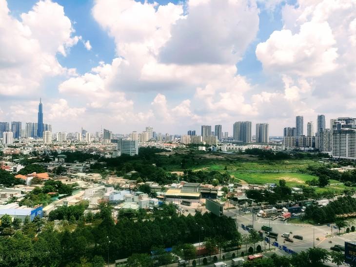 Quý II/2021, thị trường căn hộ tại TP.HCM ghi nhận lượng giao dịch và tỷ lệ hấp thụ thấp nhất trong 5 năm qua. Ảnh: Ngô Bảo Tín