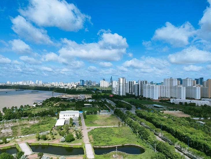 Phân khúc căn hộ tại TP. HCM và các tỉnh giáp ranh từ tháng 7/2021 đến nay vẫn ghi nhận sự tăng trưởng tích cực . Ảnh Ngô Bảo Tín