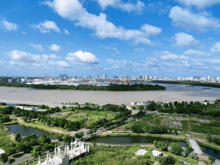 Trong tháng 7 vừa qua, ở TP.HCM và vùng phụ cận, phân khúc đất nền không ghi nhận nguồn cung mới được mở bán. Ảnh: Ngô Bảo Tín